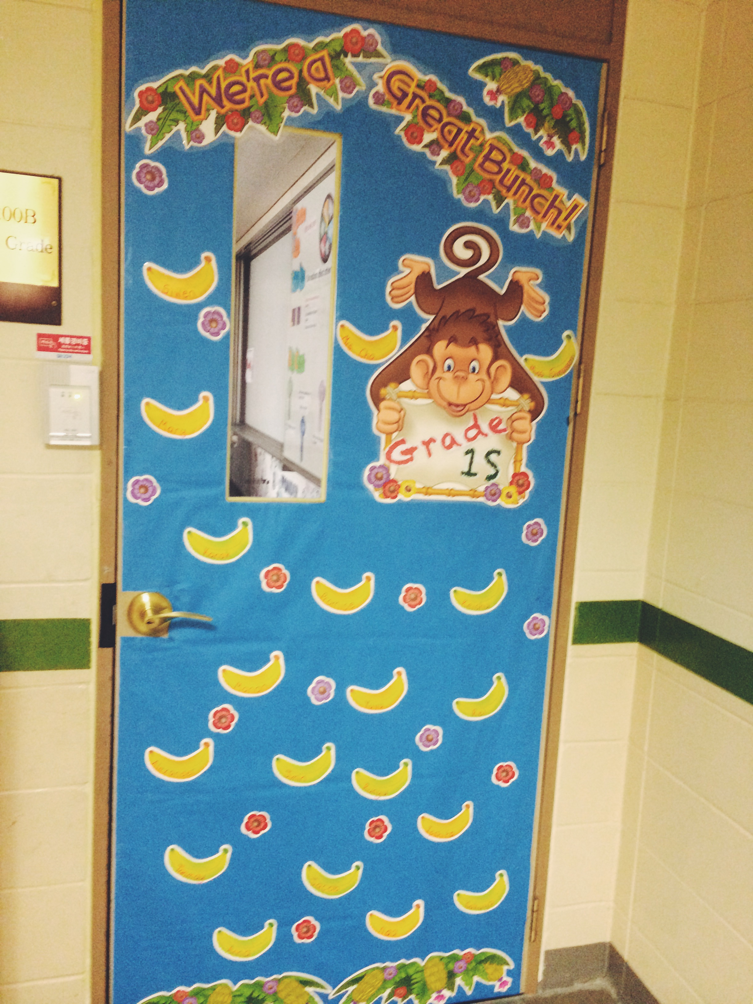 Spring classroom door decoration ideas book covers for Idea door primary 2014