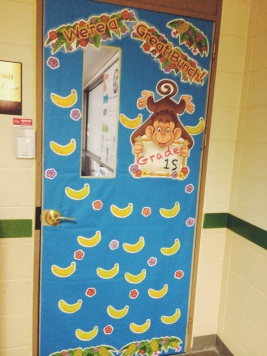 Two apples a day will keep your students happy for Back to school door decoration